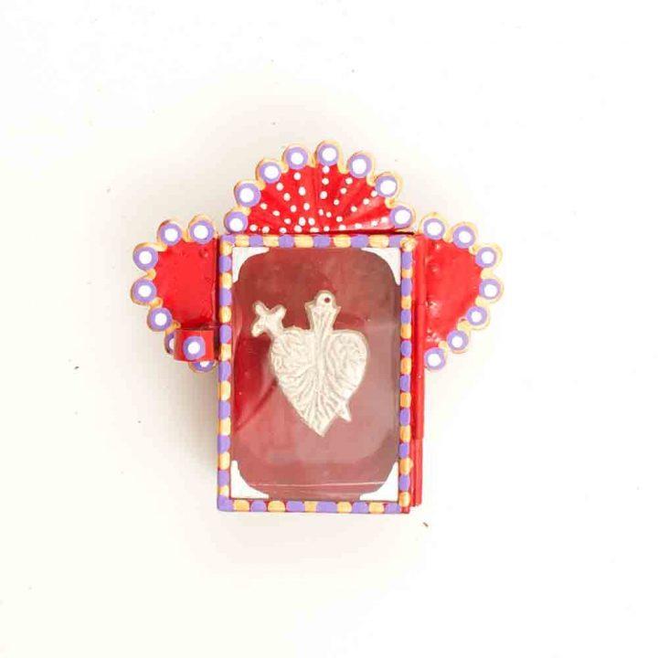 Red heart niche