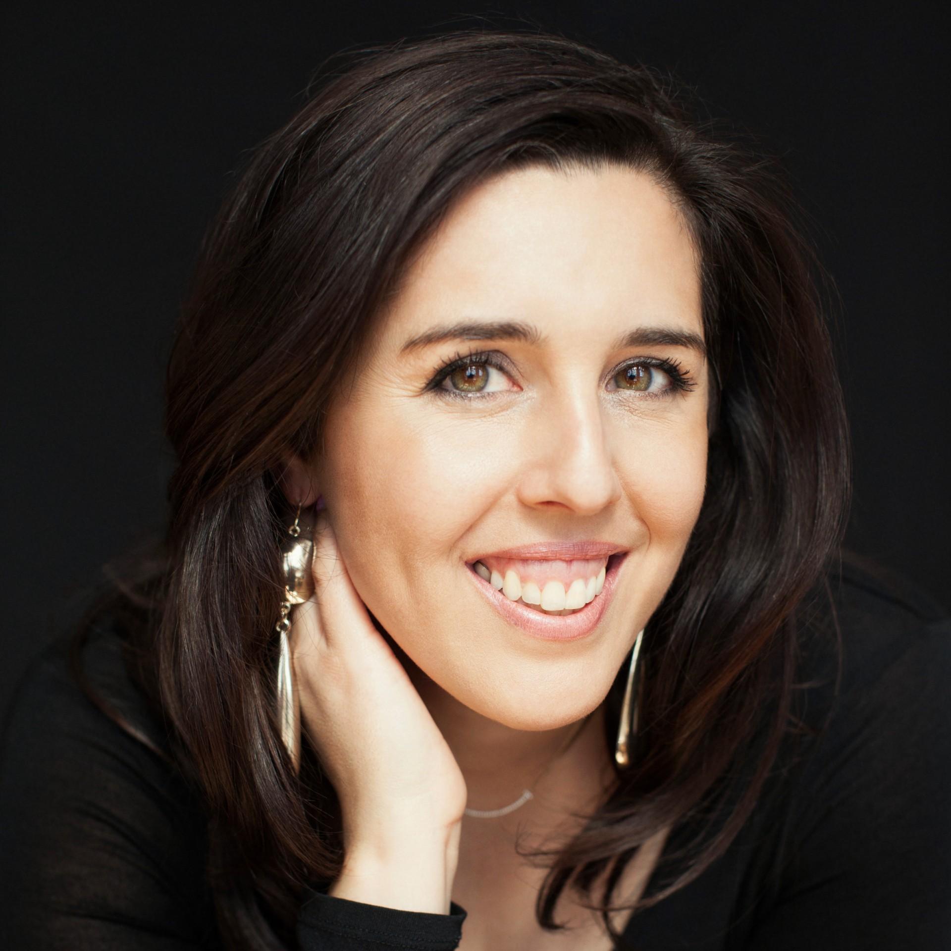 Square Author Natalie Setareh Be Your Own Makeup Artist copy